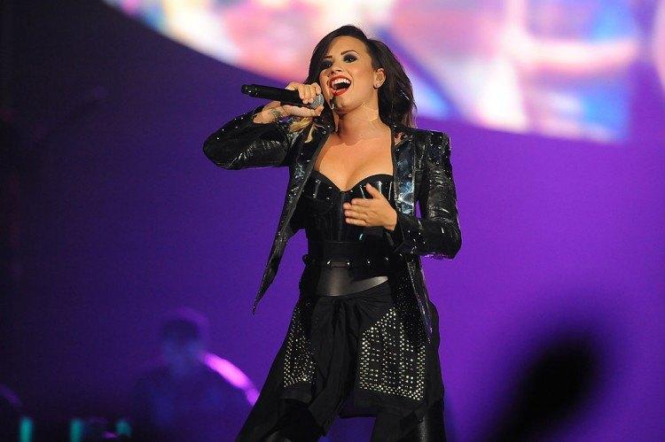 MKTO, Christina Perri And Demi Lovato In Concert